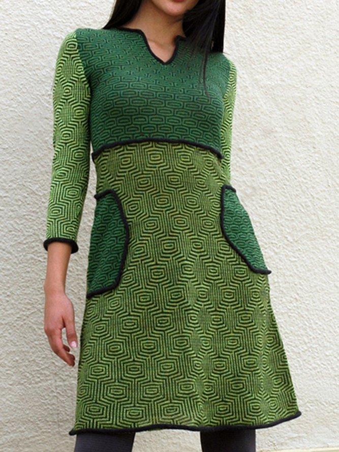 Grünes polka dots Kleid mit V-Ausschnitt | likelymorely